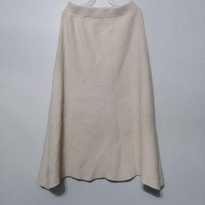 Woolen white thick midi skirt
